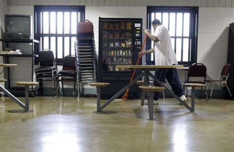 Marion prison ready to go private on Saturday - News - The