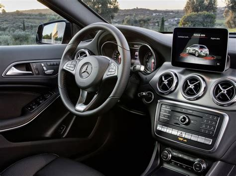 New Mercedes-Benz GLA car configurator and price list 2018