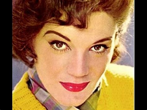 Connie Francis - IIevame a la Luna {Fly Me To The Moon