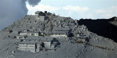 Japan's Mount Ontake Volcano Continues To Erupt Violently