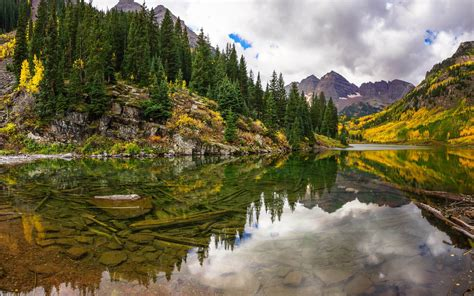 Mountain Scenery, Crystal Clear Lakes, Green Pine Trees