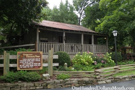 Dollywood - Pigeon Forge, Tennessee - One Hundred Dollars