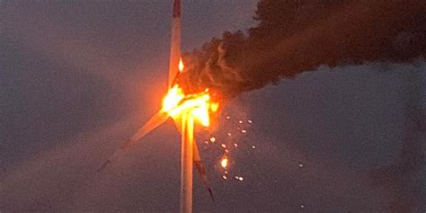 Windrad in Hohe steht in Flammen - Weser-Ith News